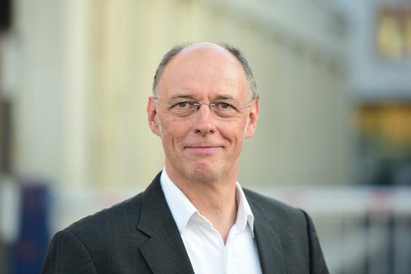 Dr. Martin Franz